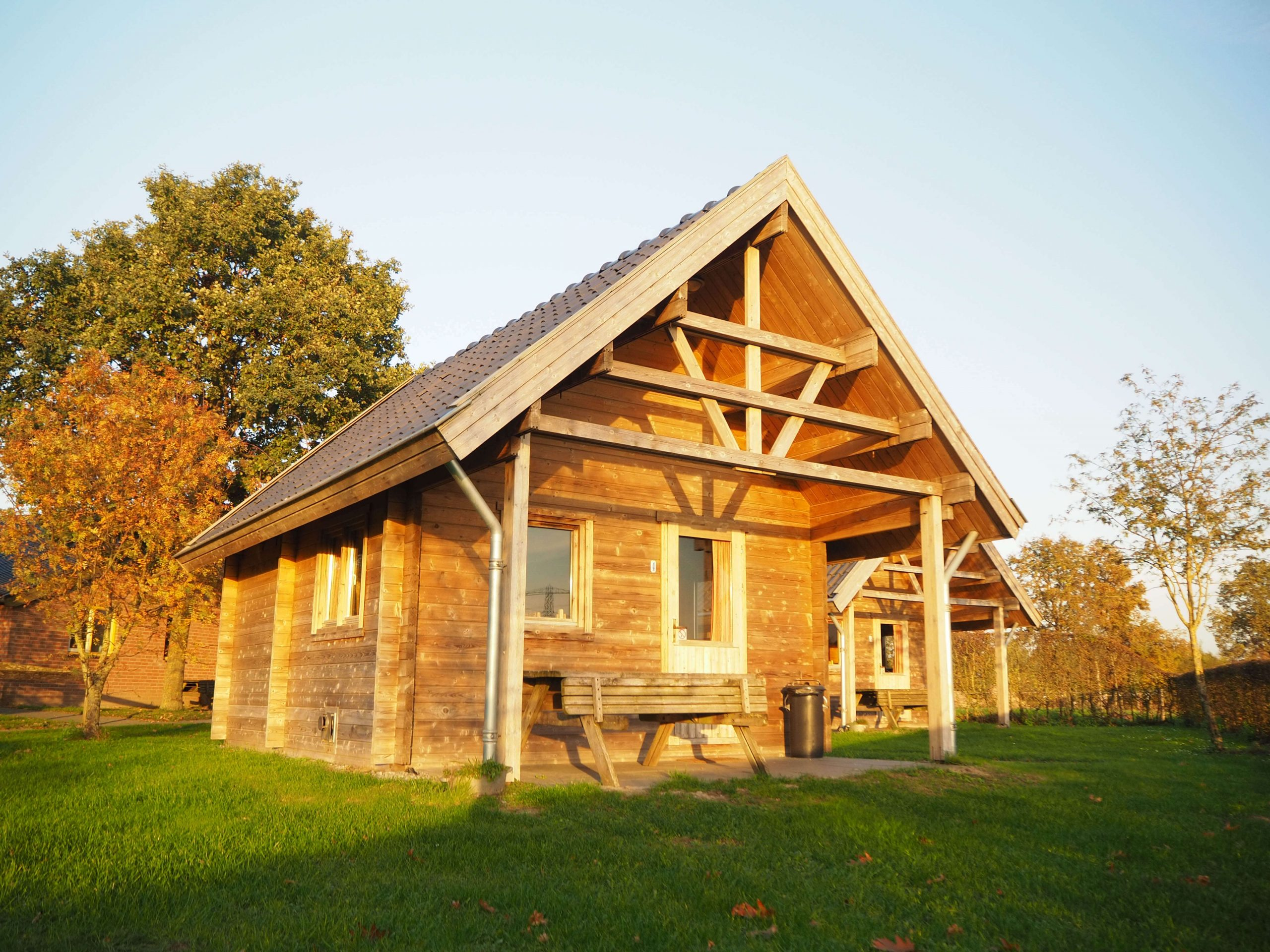 duurzame houten blokhutten te verhuur