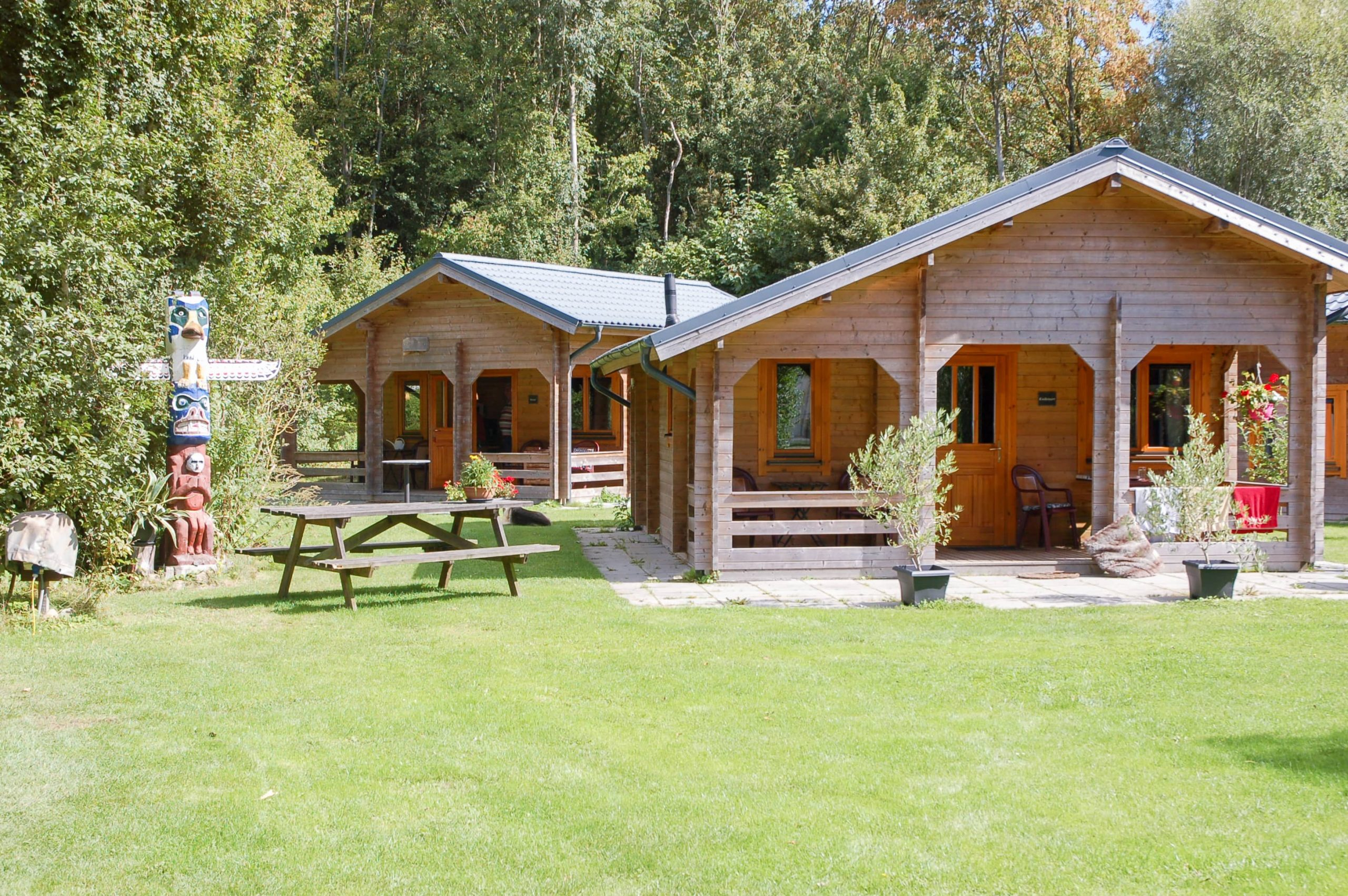 Houten chalets kanocamping t Ol Gat